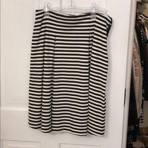 Black and white stripe soft pleated skirt